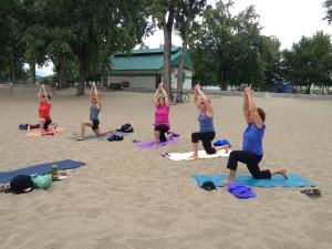 yoga beach 4